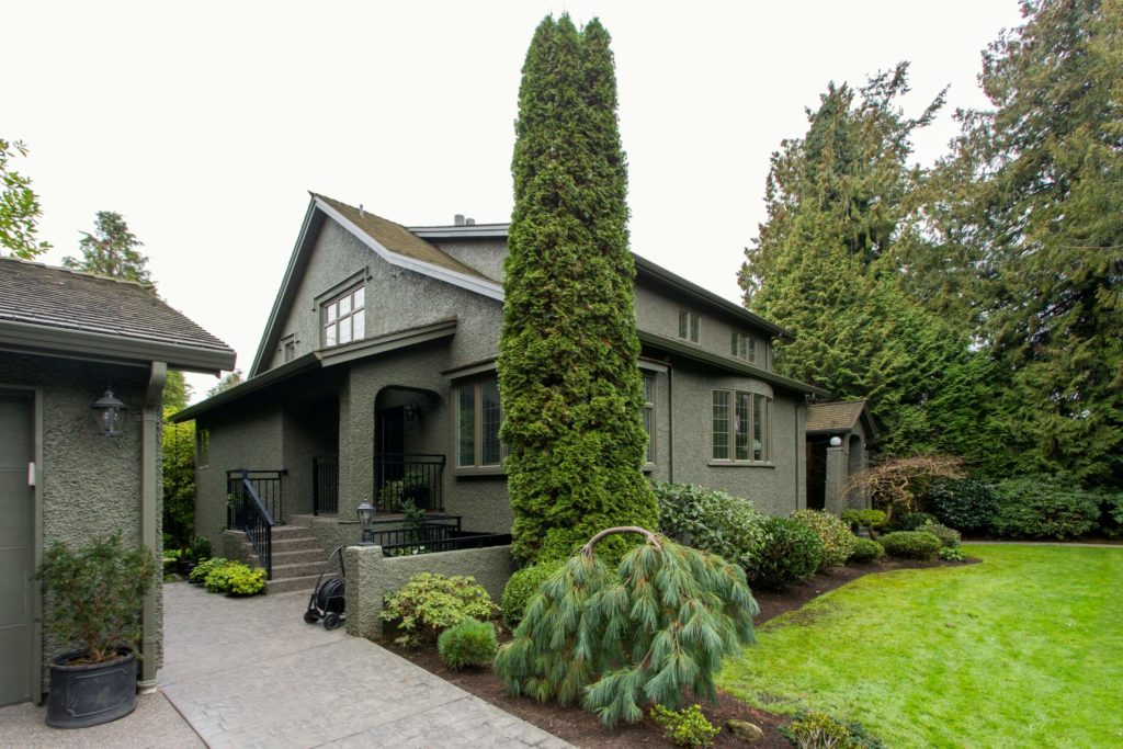 beautiful exterior home painting in vancouver, bc